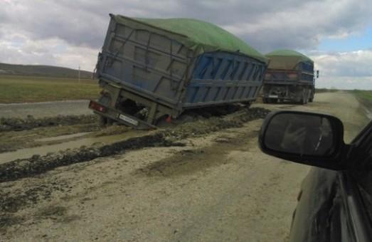 Министр инфраструктуры предлагает в Одессе увеличить штрафы за перегруз автомобилей