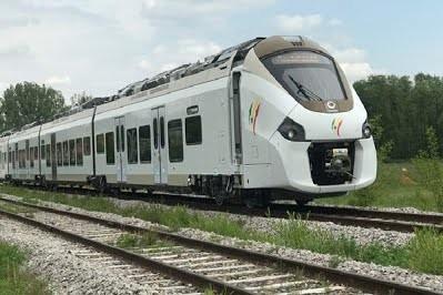 Во Франции начались испытания первого поезда с комбинированным тяговым приводом производства Alstom