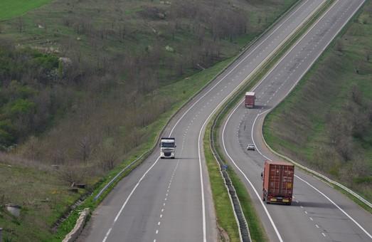 На дорогах Одесской области ограничат движение грузового транспорта