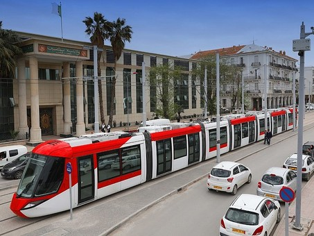Валжирском городе Сетиф ввели в эксплуатацию новую линию трамвая