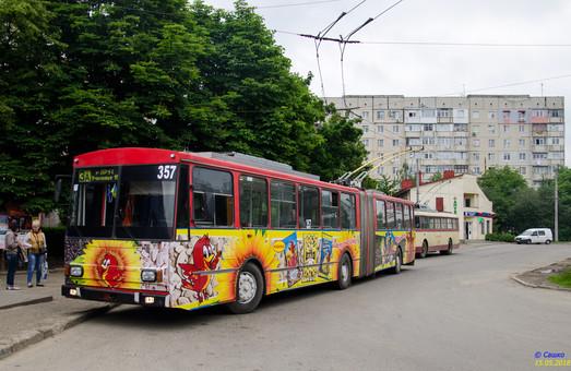 В Черновцах безуспешно бастуют маршрутчики