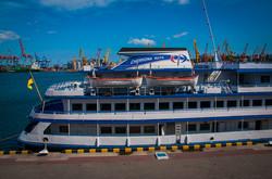 """В Одессе речной лайнер """"Принцесса Днепра"""" открыл круизную навигацию (ФОТО)"""