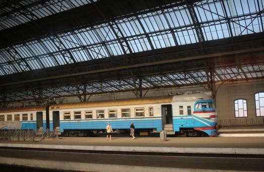 На украинских поездах появится система бесконтактной оплаты билетов