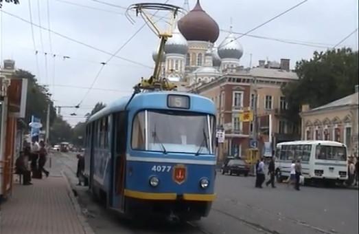 Одесский транспорт 16 лет назад: трамваи, троллейбусы и паровозы глазами новозеландца (ВИДЕО)