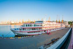 Редкий случай: два пассажирских лайнера стоят у причалов Одесского морвокзала (ФОТО)
