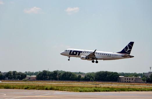 Самолеты из Харькова в Варшаву станут летать чаще