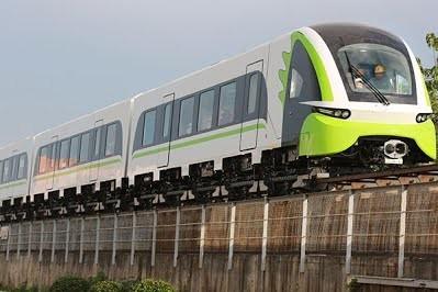 В Китае построили первый среднескоростной пригородный поезд на магнитном подвесе