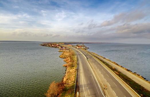 В Одессе договорились сохранять дороги от перегруженных машин (ФОТО)
