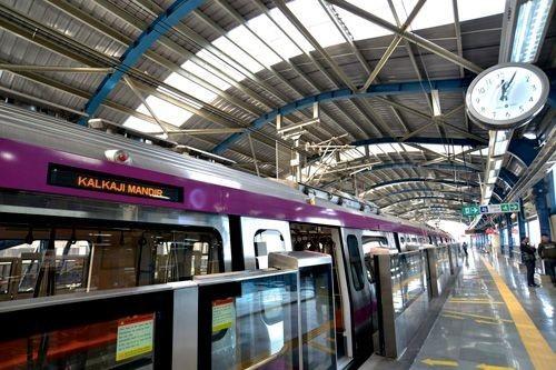 Метро Дели открыло новые станции в пригороде