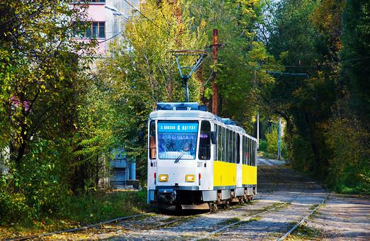 В Днепре перекрыли движение маршруток и трамваев из-за строительство метро