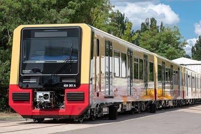 Для городской железной дороги Берлина собрали первый поезд