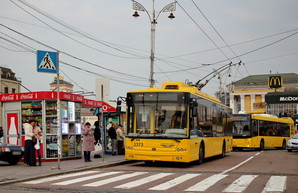 Проезд в трамваях и троллейбусах Киева таки возрастает до 8 гривен