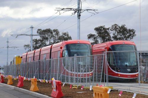 В столице Австралии тестируют cкоростные трамваи СAFна новой линии