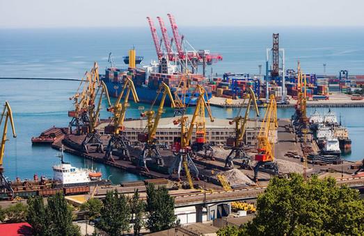 Морские порты Украины уже перевалили почти 64 миллиона тонн грузов