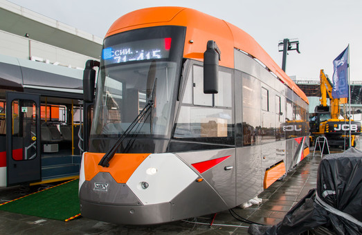 В России презентовали сразу четыре новых модели низкопольных трамваев (ФОТО)