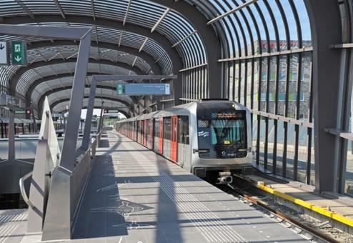 В Амстердаме открыли новую линию метро