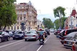 Одесскому трамваю придется пробиваться через пробки по улице Преображенской (ФОТО)