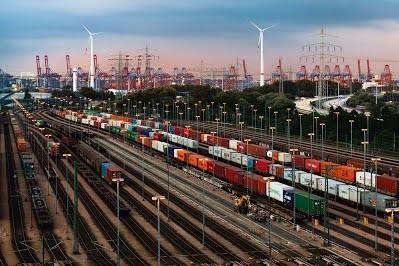 Австрийский оператор железнодорожной инфраструктуры полностью перешел на «зеленую» электроэнергию