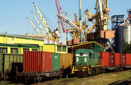 Из Одессы отправился первый контейнерный поезд в Днепр