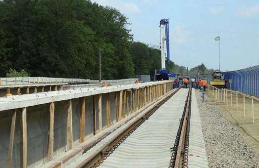 Железная дорога в аэропорт «Борисполь» строится с опережением графика (ФОТО)