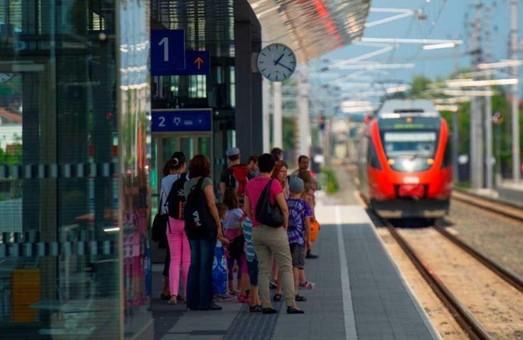 """Австрийский железнодорожный оператор использует """"зелёную"""" электроэнергию"""