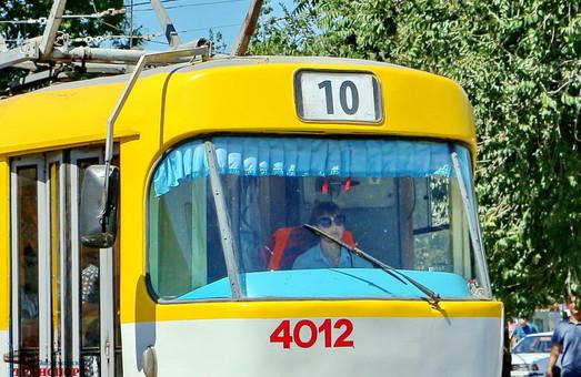 Августовские проездные в одесском трамвае продлены до сентября, но только на одном маршруте