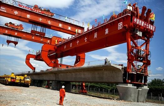Китай будет тратить на железные дороги на 10 млрд долларов больше