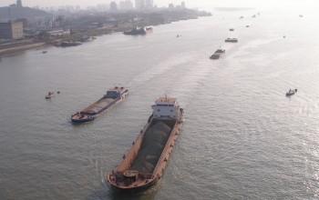 В Китае до 2025 года суда переведут на СПГ-топливо