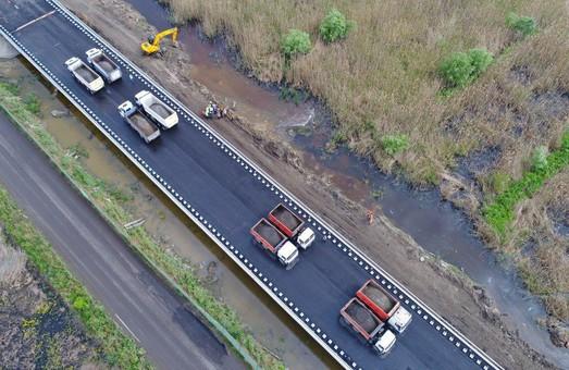 На ремонт дорог Одесской области уже направлено свыше 650 миллионов гривен