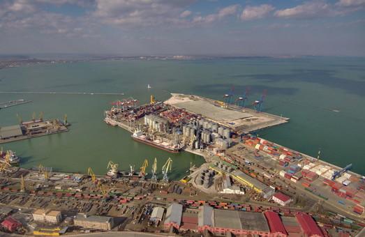 Порт Одессы сокращает перевалку грузов