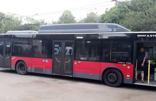 Тернополь не смог закупить три десятка подержанных низкопольных автобусов
