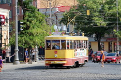 В день города трамвай счастья радует одесситов (ФОТО, ВИДЕО)