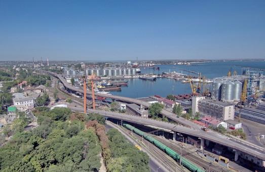 Одесский порт взялся за реконструкцию первой очереди автомобильной эстакады
