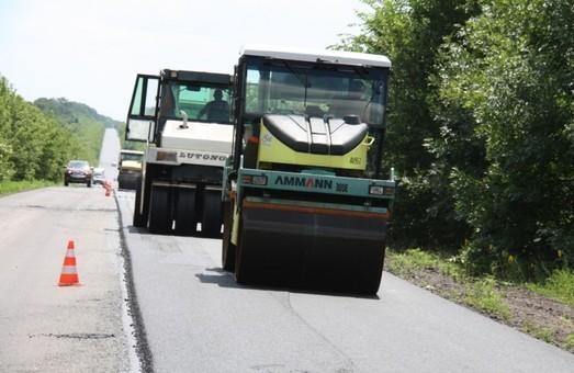Кабмин перераспределил средства на ремонт автодорог: у Одесской области забирают 200 миллионов