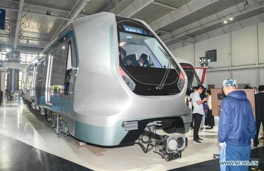 Китайский производитель представил электропоезд с кузовом из углеволокна
