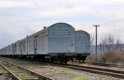 15 тысяч товарных вагонов в Украине простаивает