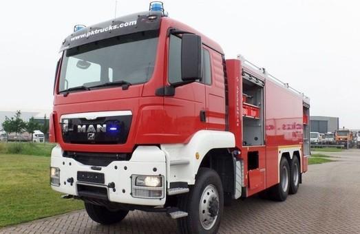 Запорожский аэропорт приобрел новый пожарный автомобиль