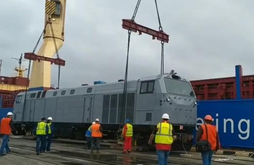 В Украину прибыл второй локомотив «General Electric» «Тризуб»