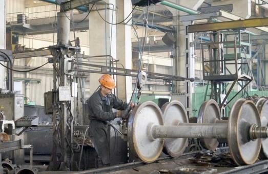 Панютинский вагонно-ремонтный завод с начала года изготовил почти 700 вагонов