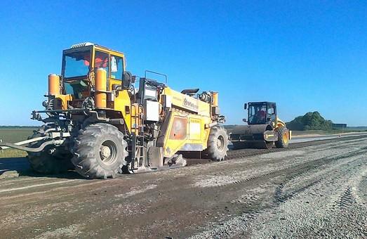 Одесская фирма будет ремонтировать дороги на Харьковщине