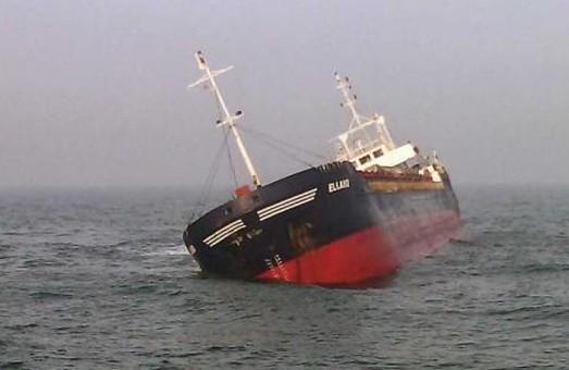 У берегов оккупированного Крыма затонул корабль, груженный металлоломом