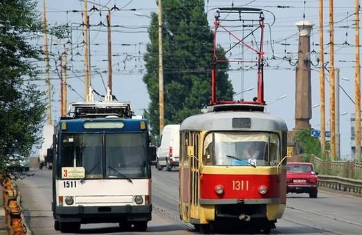 Электротранспорту Днепра не хватает кондукторов