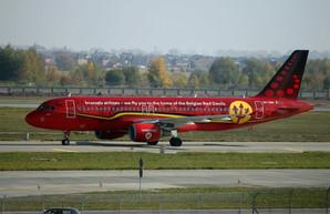 Вчера в Киеве приземлился бельгийский самолет с тризубом на фюзеляже