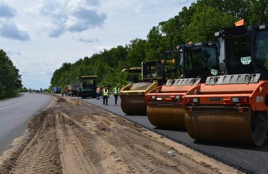 Миллиард гривен в 2019 году потратят на местные дороги Винницкой области