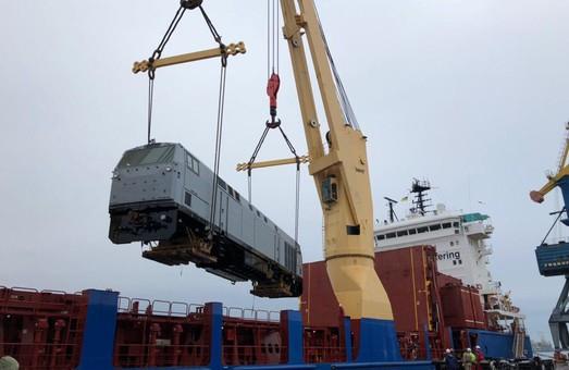 В порт Черноморск прибыла новая партия из семи тепловозов «Тризуб»