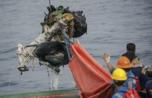 Расшифрованы записи из «черного ящика» «Boeing 737», разбившегося в Индонезии