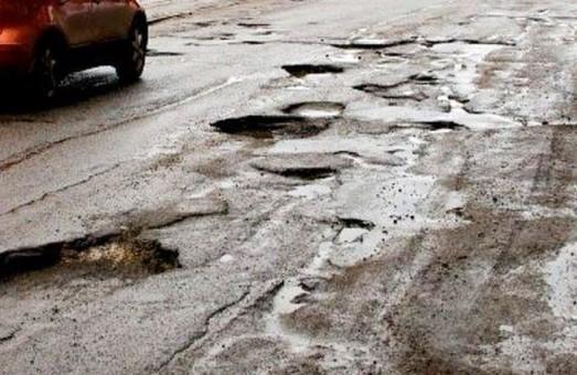 Прокуратура расследует нарушения при ремонте дорог в Украине