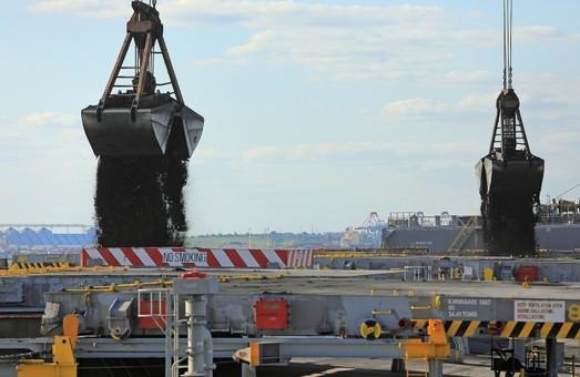 Порт «Южный» перевыполнил планы перевалки грузов в октябре