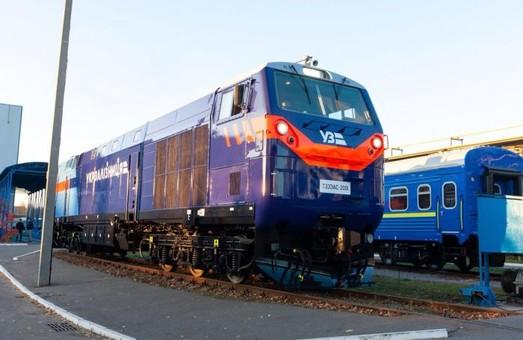 Завтра «Укрзализныця» начнет испытания американского локомотива «Тризуб»