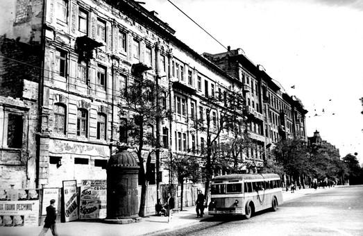 Одесский троллейбус сегодня празднует свой 73-й день рождения